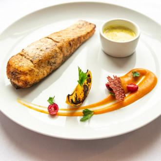 Деліс лосося на грилі з соусом «Шардоне Шафран»